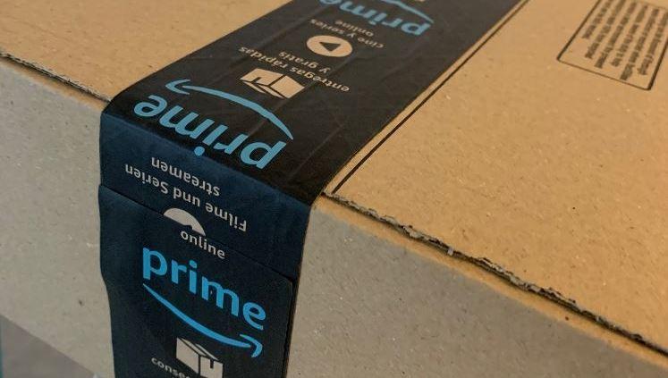 Paper tape on parcel