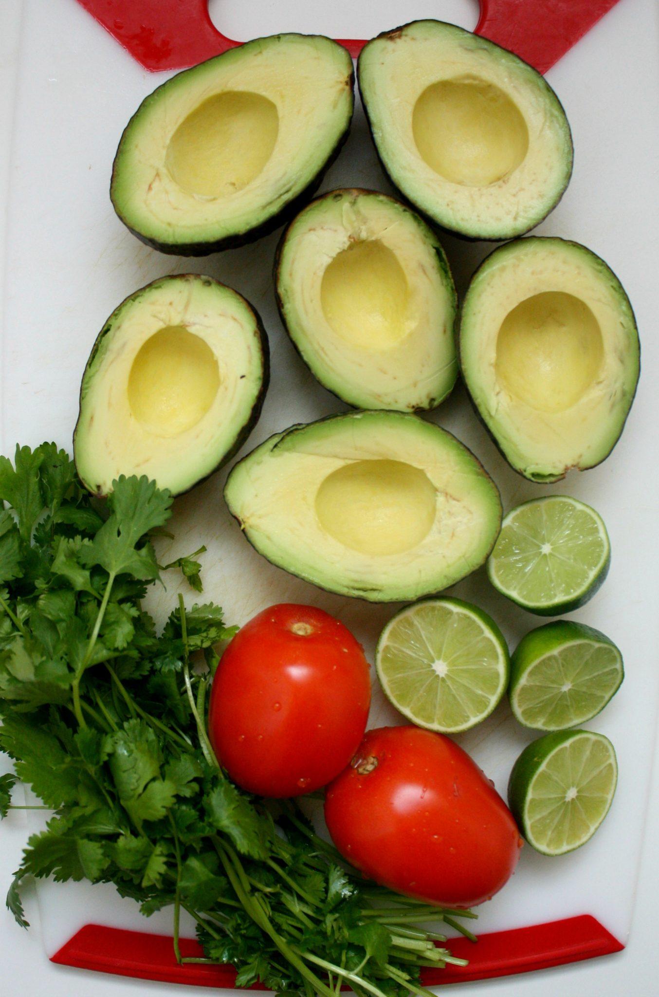Ingredientes frescos para o preparo do Guacamole perfeito!