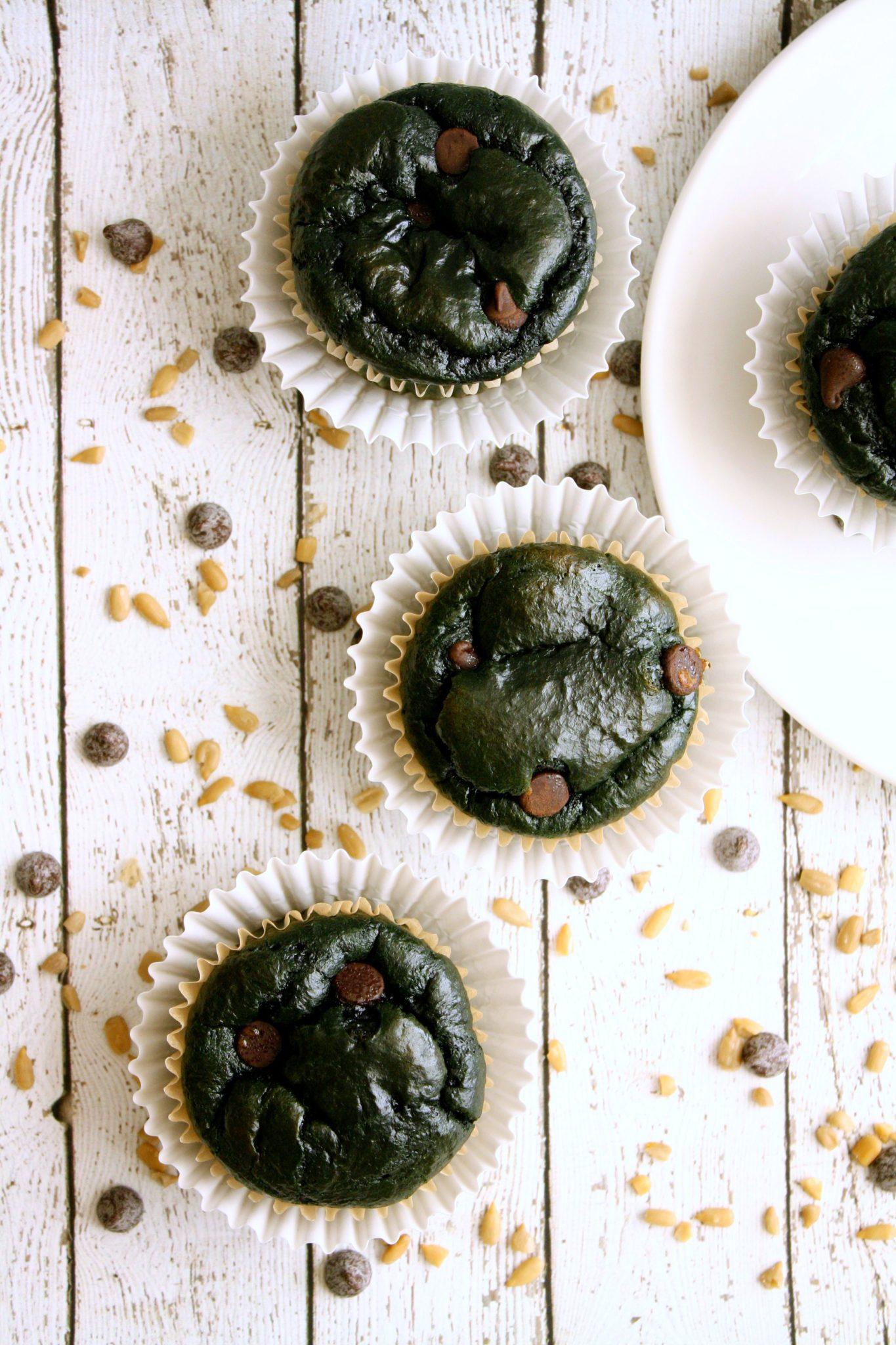 Cupcakes deliciosos, saudáveis e naturalmente verdes. Sem corante, sem espinafre, sem açúcar, sem lactose e sem glúten! Perfeitas para celebrar a Independência do Brasil!