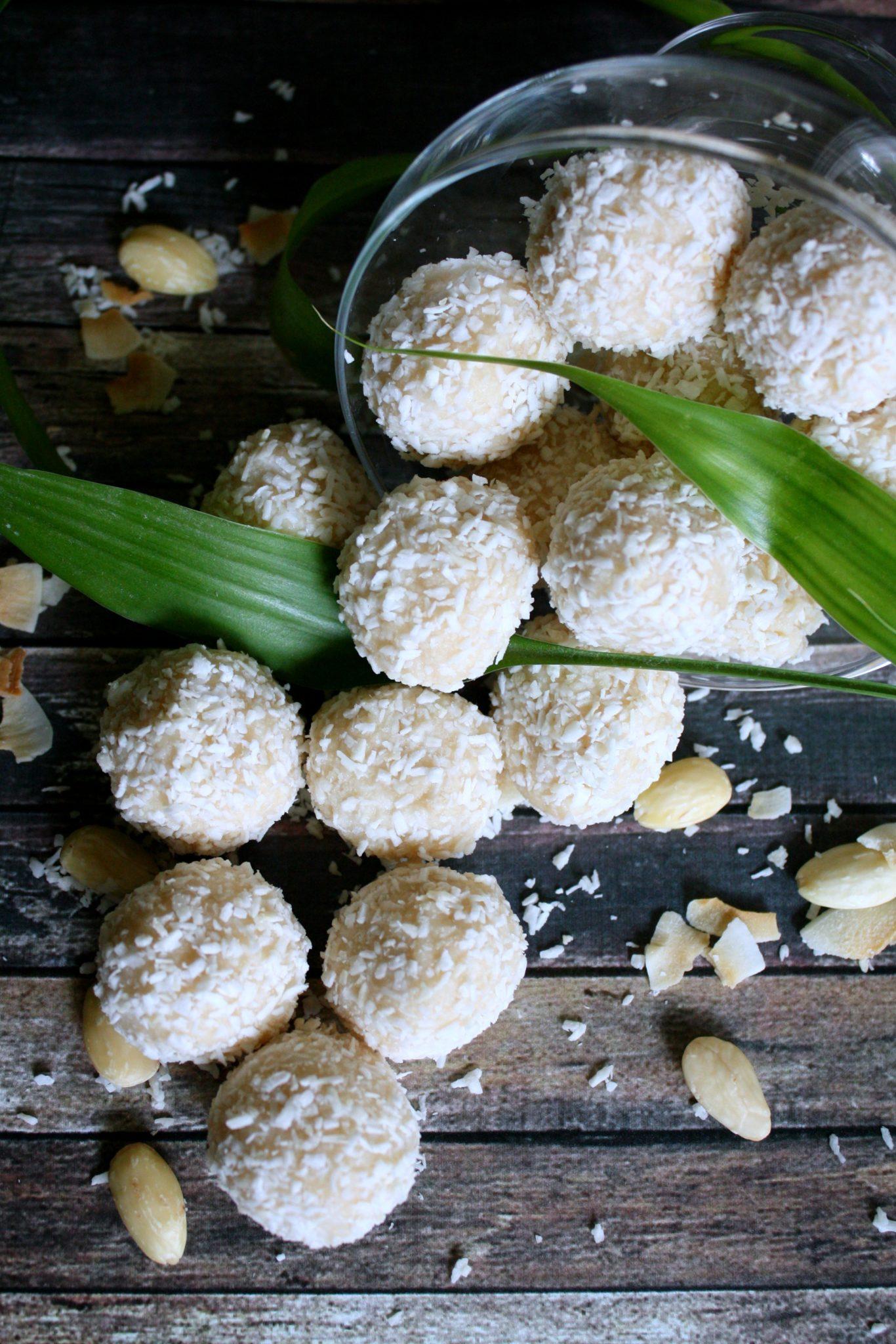 Docinho de Coco- Inspirado no Raffaello da Ferrero (Vegano e Sem Açúcar)