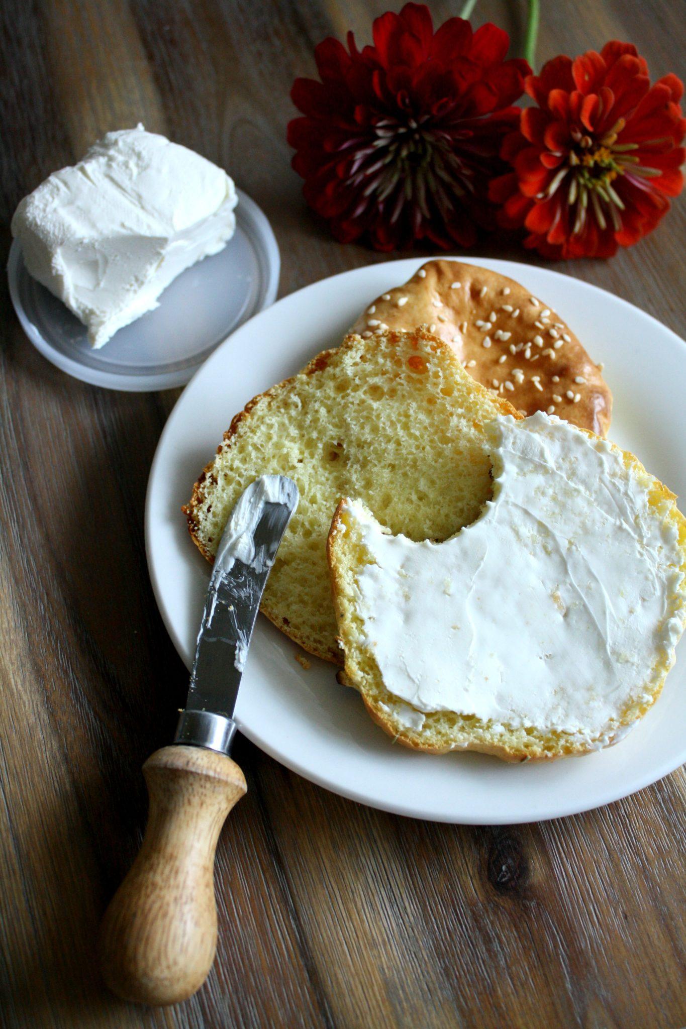 O melhor pão Low Carb que você já comeu! Com 3 ingredientes e 10 minutinhos!