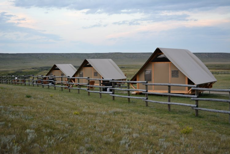 canvas-cabins-at-grasslands-national-park