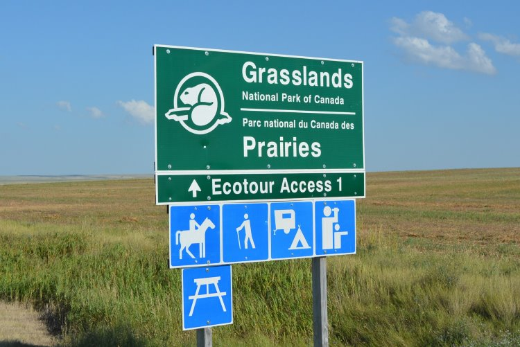grasslands-national-park-sign