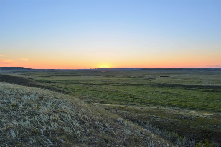 sunset-at-grasslands-national-park
