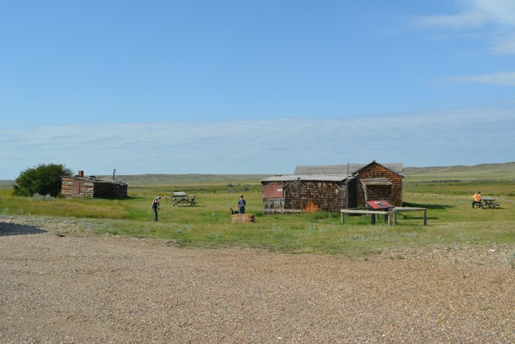 walt-larson-homestead-in-grasslands-np