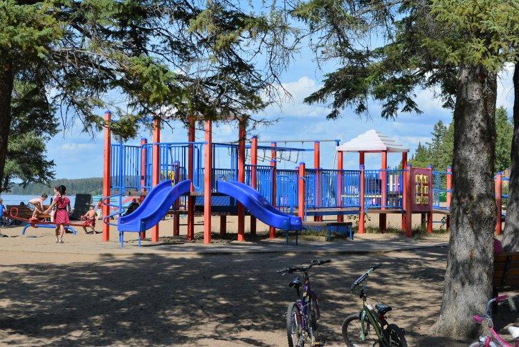 waskesiu-main-beach-playground