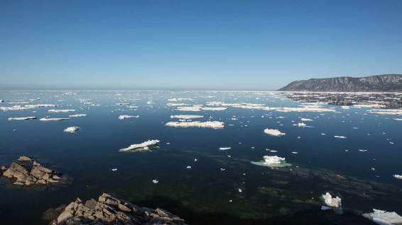 Am nördlichsten Punkt von Cape Breton Island angekommen: das Meer ist superklar und spiegelglatt