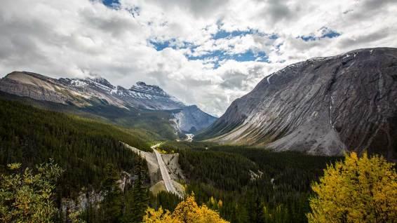 Der Icefields Parkway bietet spektakuläre Aussichten.