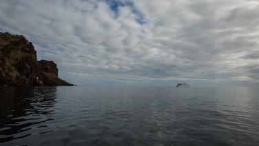 Die San Jose fährt uns für eine Woche um die Galapagos-Inseln.