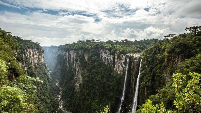Eine sehr rumplige Fahrt führt uns zum Itaimbezinho Canyon.