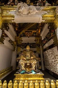 Ein Wächter am Eingangstor zum Haupt-Tempel.