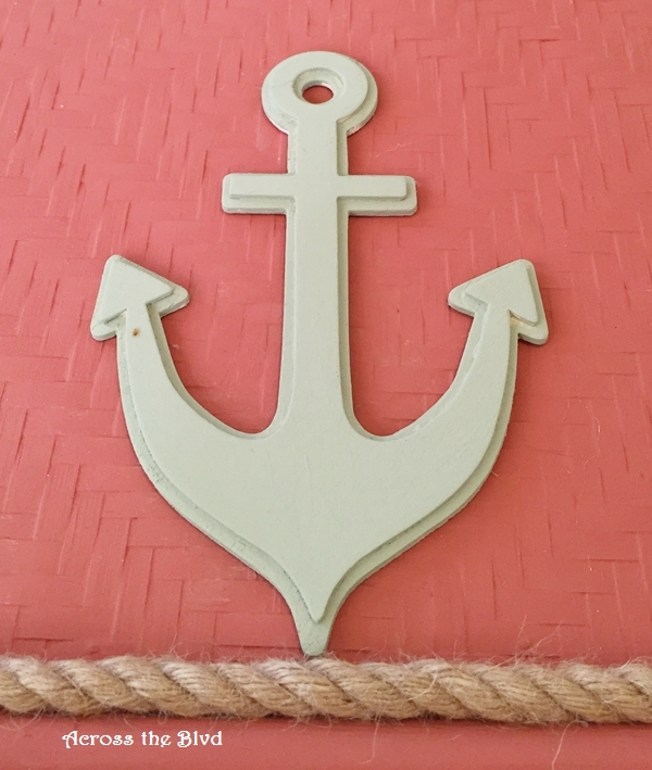 Anchor on Tray