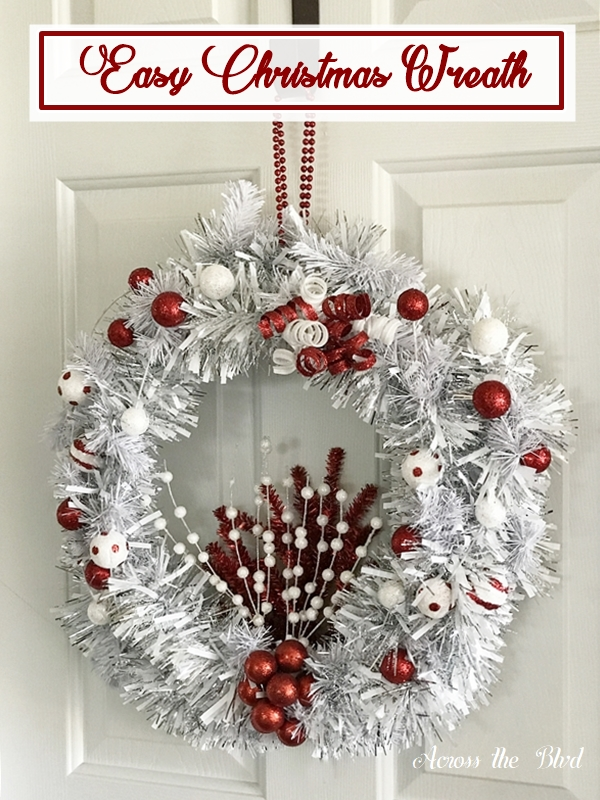Easy Christmas Wreath in Silver and Red