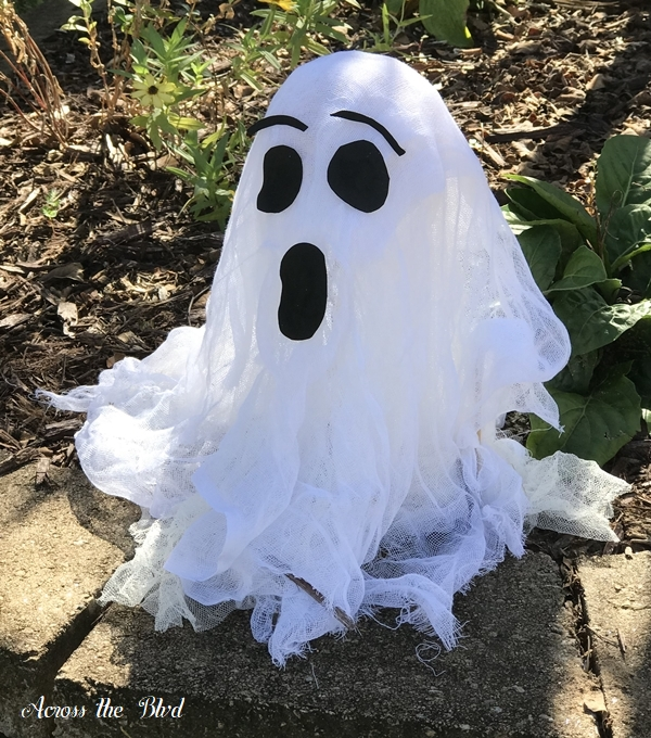 Not So Spooky Halloween Lawn Decor Ghost