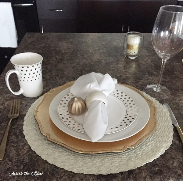 Gold placesetting for fall