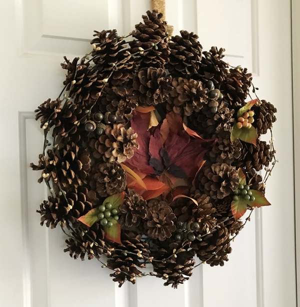 Pine Cone Wreath for Thanksgiving filler