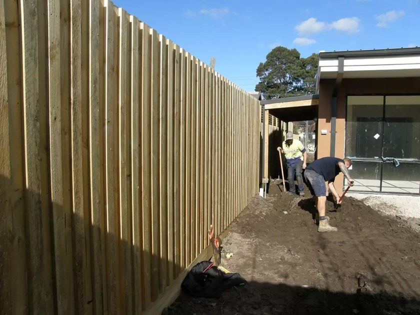 Acoustic Fencing noise reduction - stop street noise - thick paling fence. Fence builder
