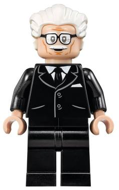 Lego66BatmanBatcaveAlfred
