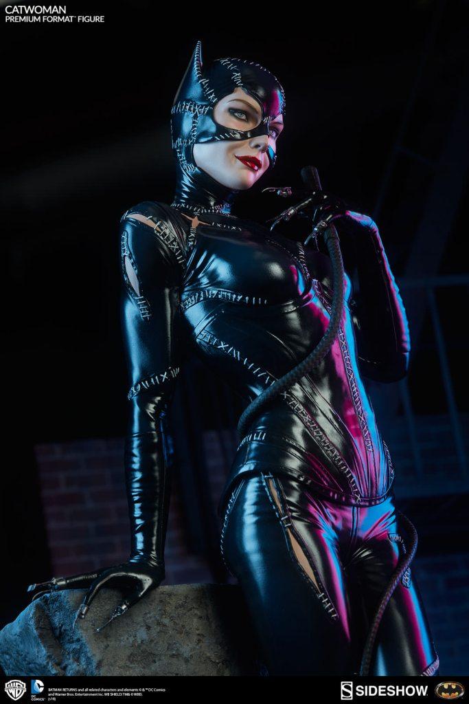 dc-comics-catwoman-premium-format-300270-02