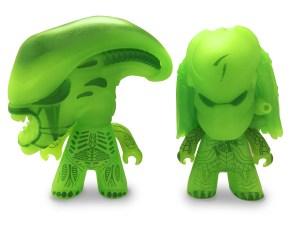 AVP TITANS 3 Two-Pack GID Striking Jaw Alien and GID Regular Predator (OOP 2)