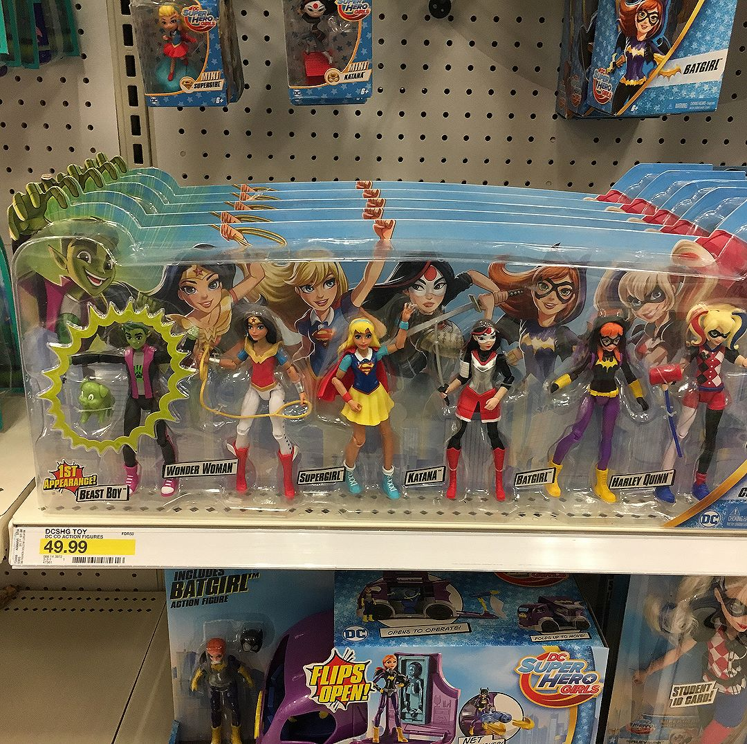 Spotted a new @mattel @dcsuperherogirls boxed set today. Set has and repaints of the other girls... and the first male figure in the line - !