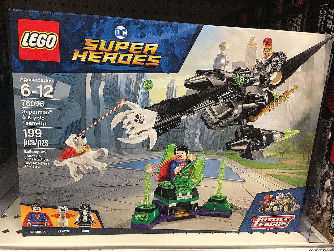My wallet is fearful for these new comic version @lego sets! Come ON a !!