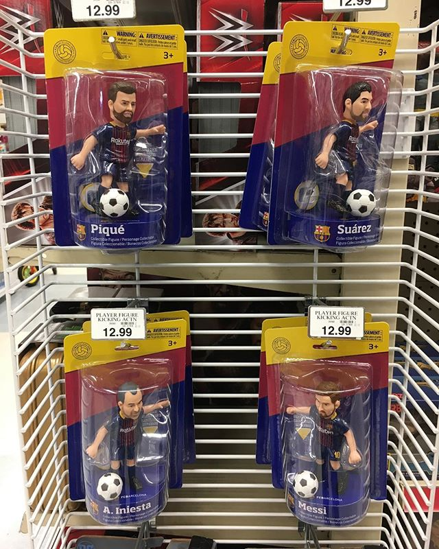 Saw these kicking figures for the first time at @toysrus