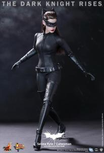 Hot Toys Catwoman Selina Kyle 2