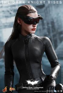 Hot Toys Catwoman Selina Kyle 4