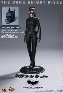 Hot Toys Catwoman Selina Kyle 5