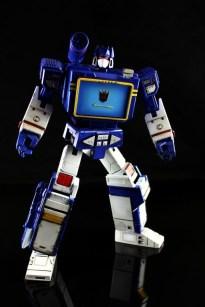 Transformers Masterpiece Soundwave 2