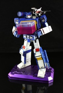 Transformers Masterpiece Soundwave 4