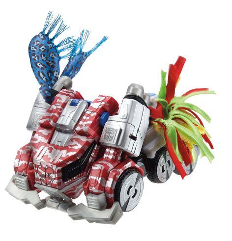 Hasbro SDCC 2014_Optimus Prime_vehicle