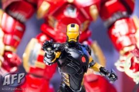Toy Fair 2015 Hasbro Marvel Legends Hulkbuster Iron Man (9 of 22)