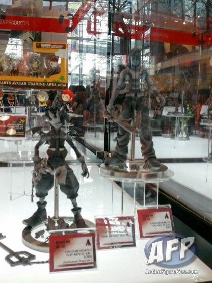 NYCC 2015 - Square Enix Play Arts Kai (26 of 32)