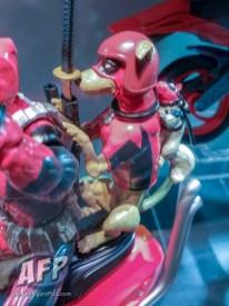 Marvel Legends Ultimate Riders Deadpool (3 of 3)