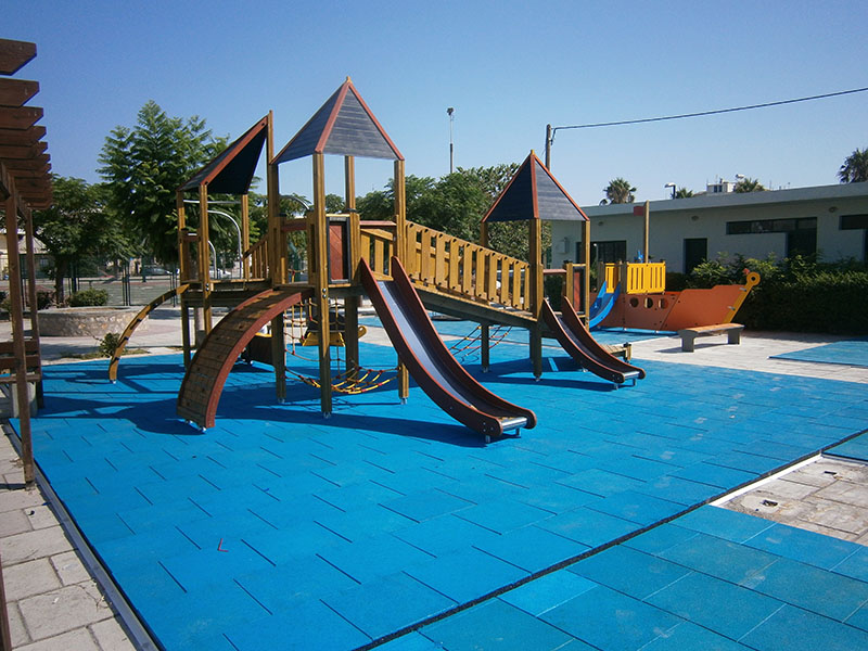 Προμήθεια εξοπλισμού παιδικής χαράς και πλακιδίων ασφαλείας στο Δήμο Κω
