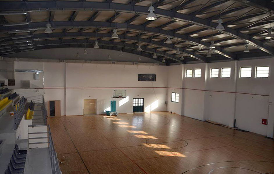Supply and installation of FIBA parquet flooring and athletic equipment in the Municipality of Paros