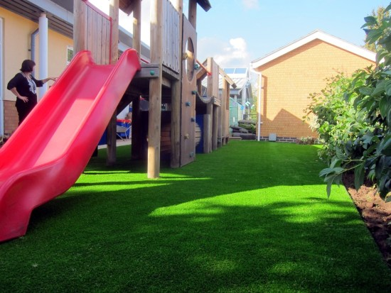 Artificial grass featured image