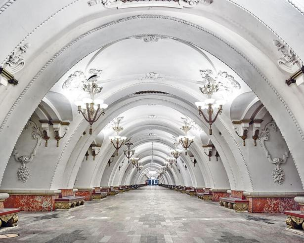 station-metro-moscou-david-burdeny-6