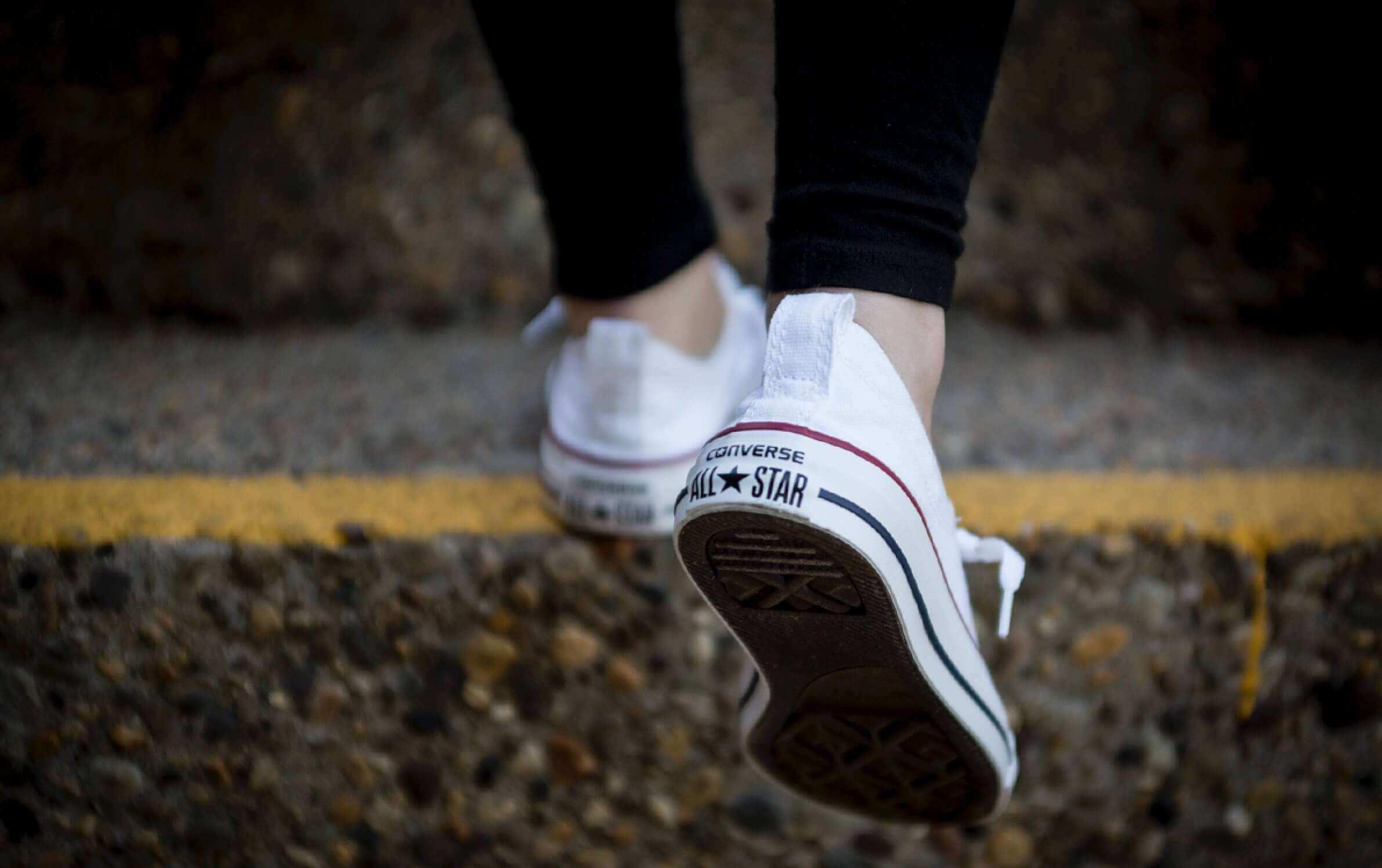 Teniși Converse
