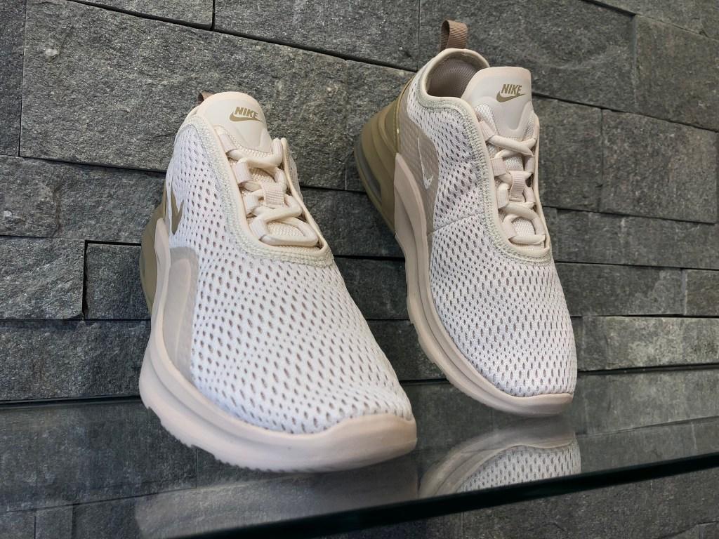 Adidasi Nike Air Max Motion 2 AO0352-202