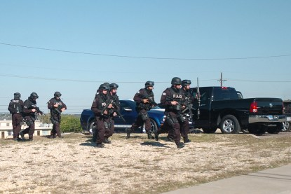 Flickr_-_The_U.S._Army_-_SWAT_Teams_at_Fort_Hood