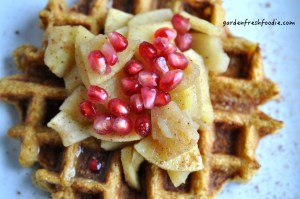 Vegan-Pumpkin-Waffles-With-Apples-1024x680
