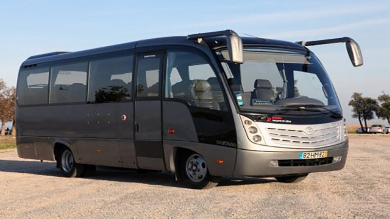 minibus 17 to 27 seat lisbon transfer
