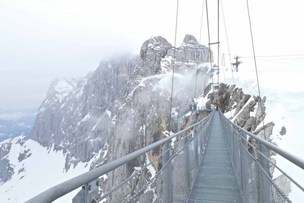 Suspension bridge Dachstein