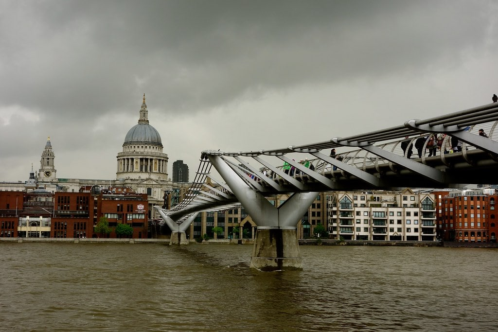 Bridge to St Paul cathedral