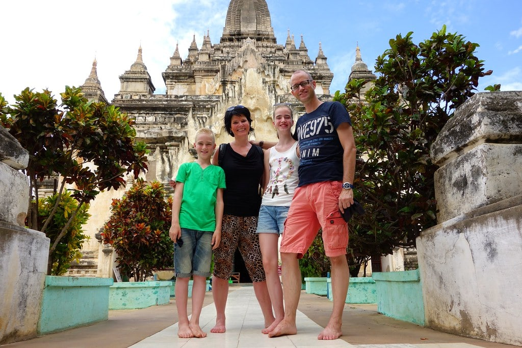 Family picture in front of Bagan temple