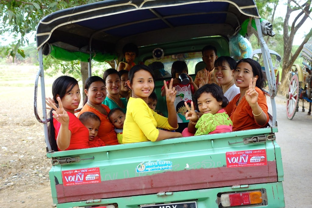 Myanmar women giving peace sign