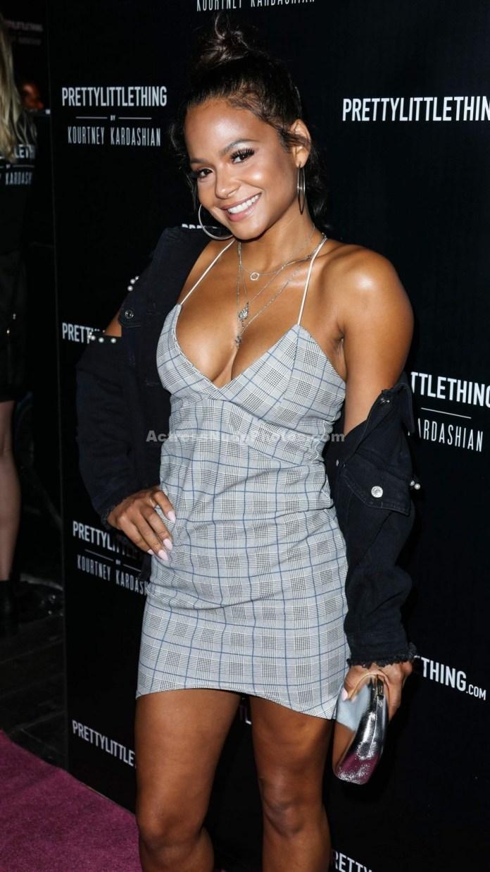 Christina Milian showed off her titties